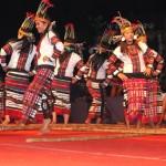 Cheraw – indyjski taniec z bambusem